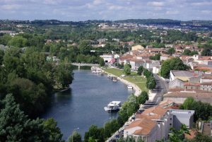 vue d Angoulême et de la Charente